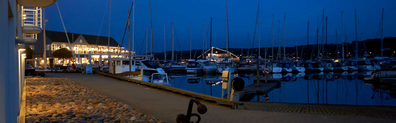 Havnehotellet night