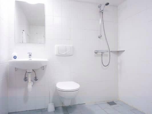 BB-Hotel Kastrup - badeværelse på gangen